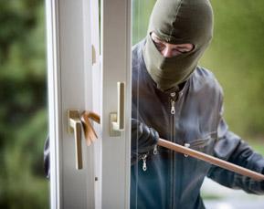 Voordeur inbreker